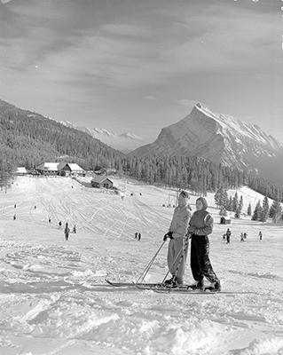 1956-march-norquay-has-been-lift-line-free-since-the-early-days-image-via-alberta-provincial-archives