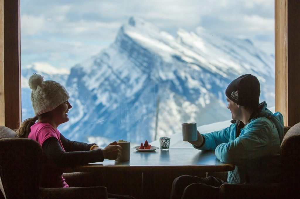 norquay_cliffhouse-bistro_hot-chocolate-with-a-view_photo-by-paul-zizka